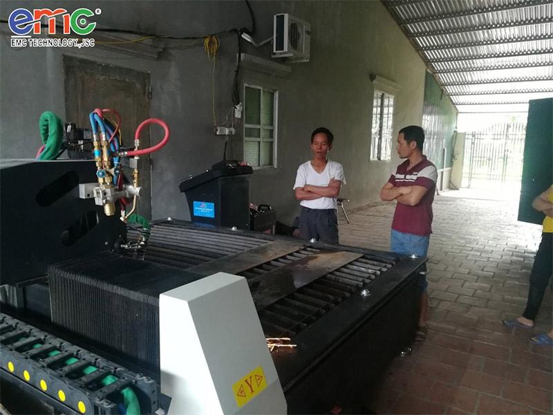 Máy cắt CNC 2000 lắp đặt tại Vĩnh Phúc