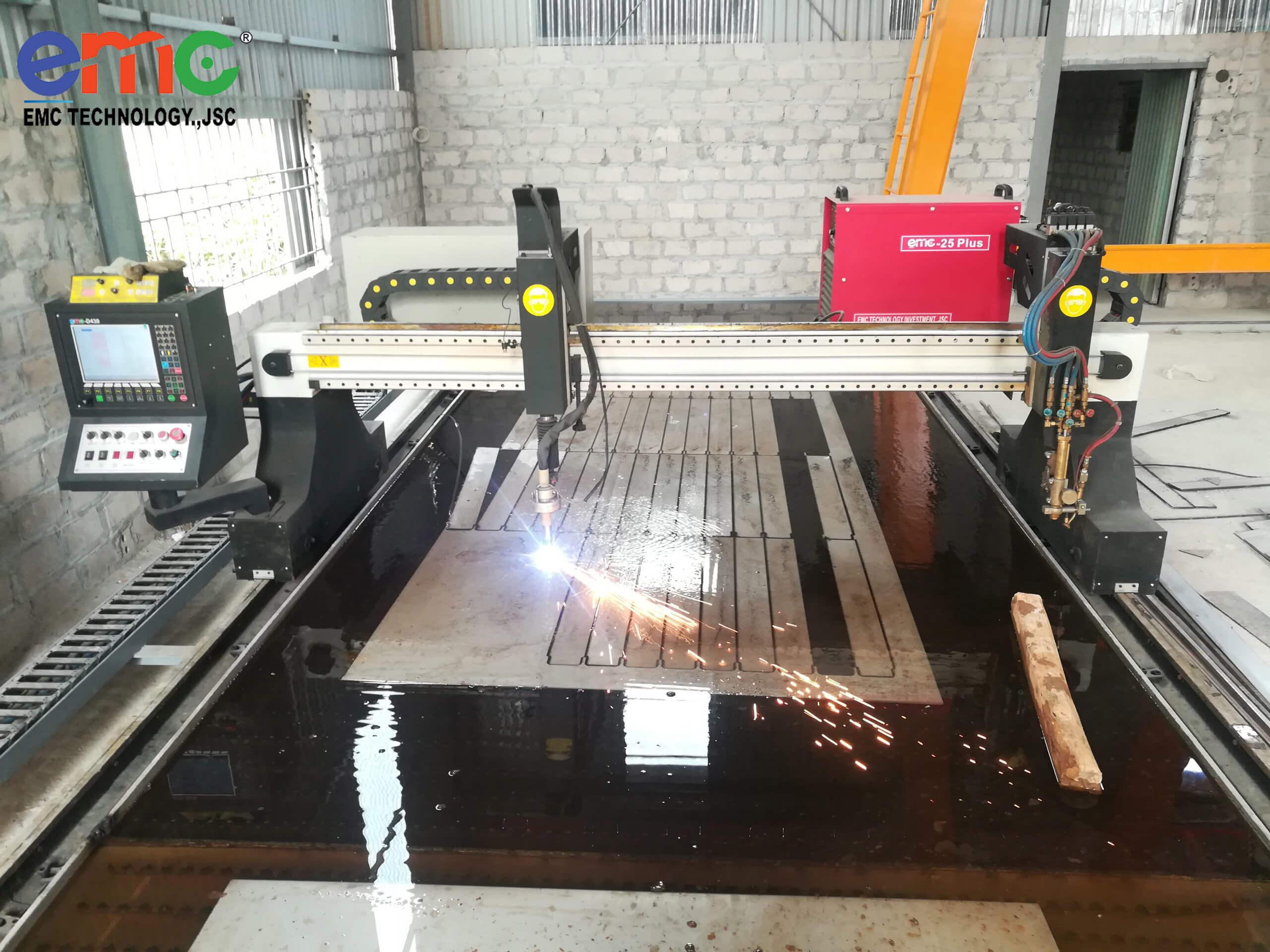 Máy cắt CNC Plasma 3000 tại trạm bơm Hòa Lạc