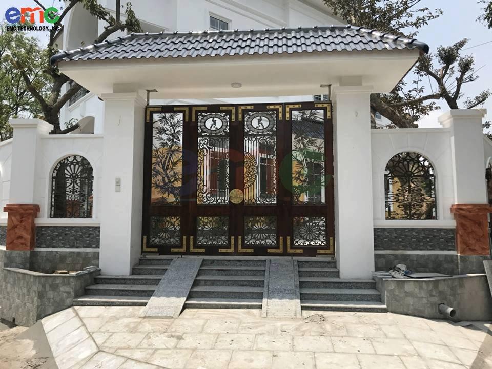 cửa cổng hoa văn
