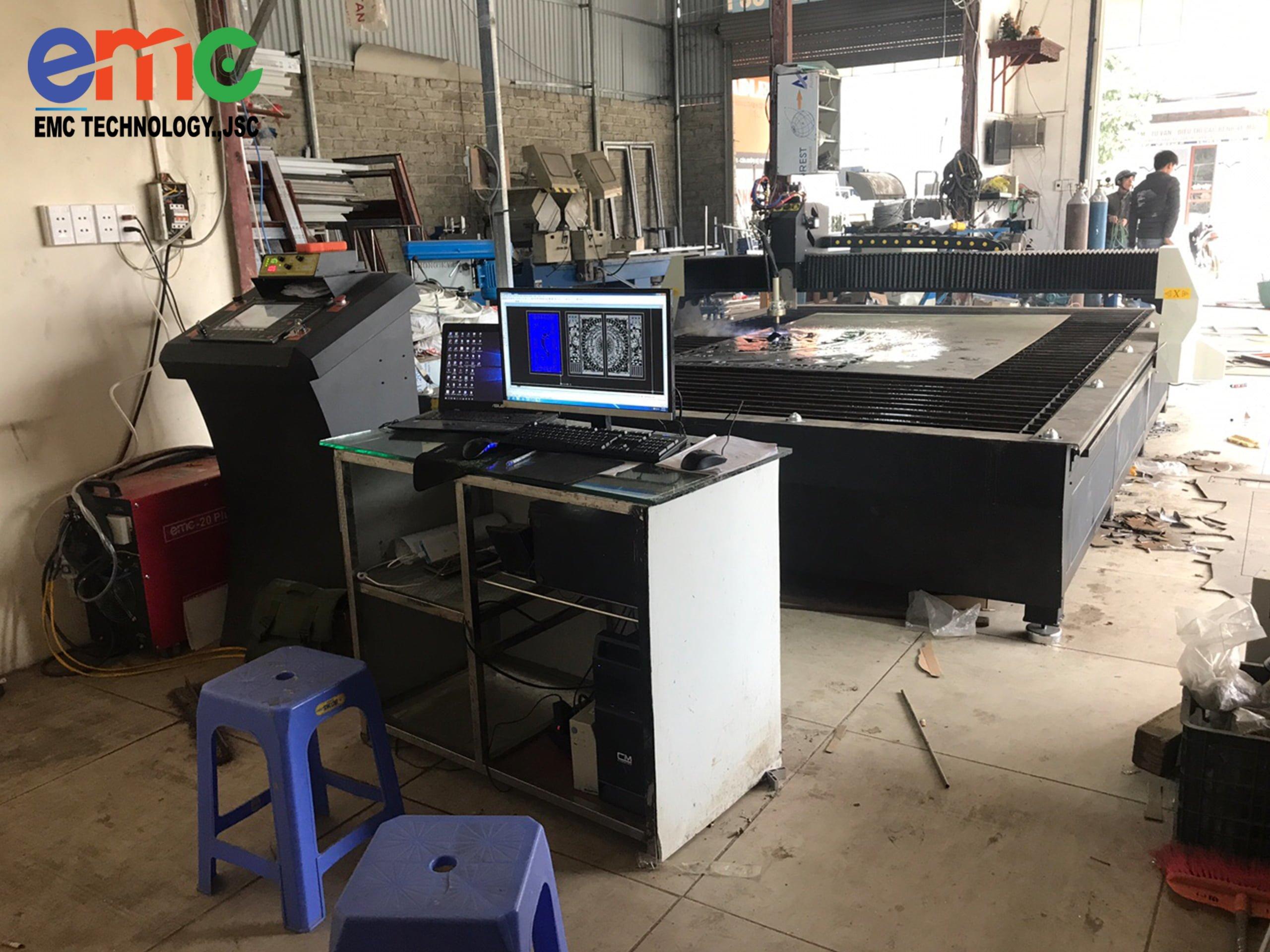 máy cắt cnc plasma emc 2000