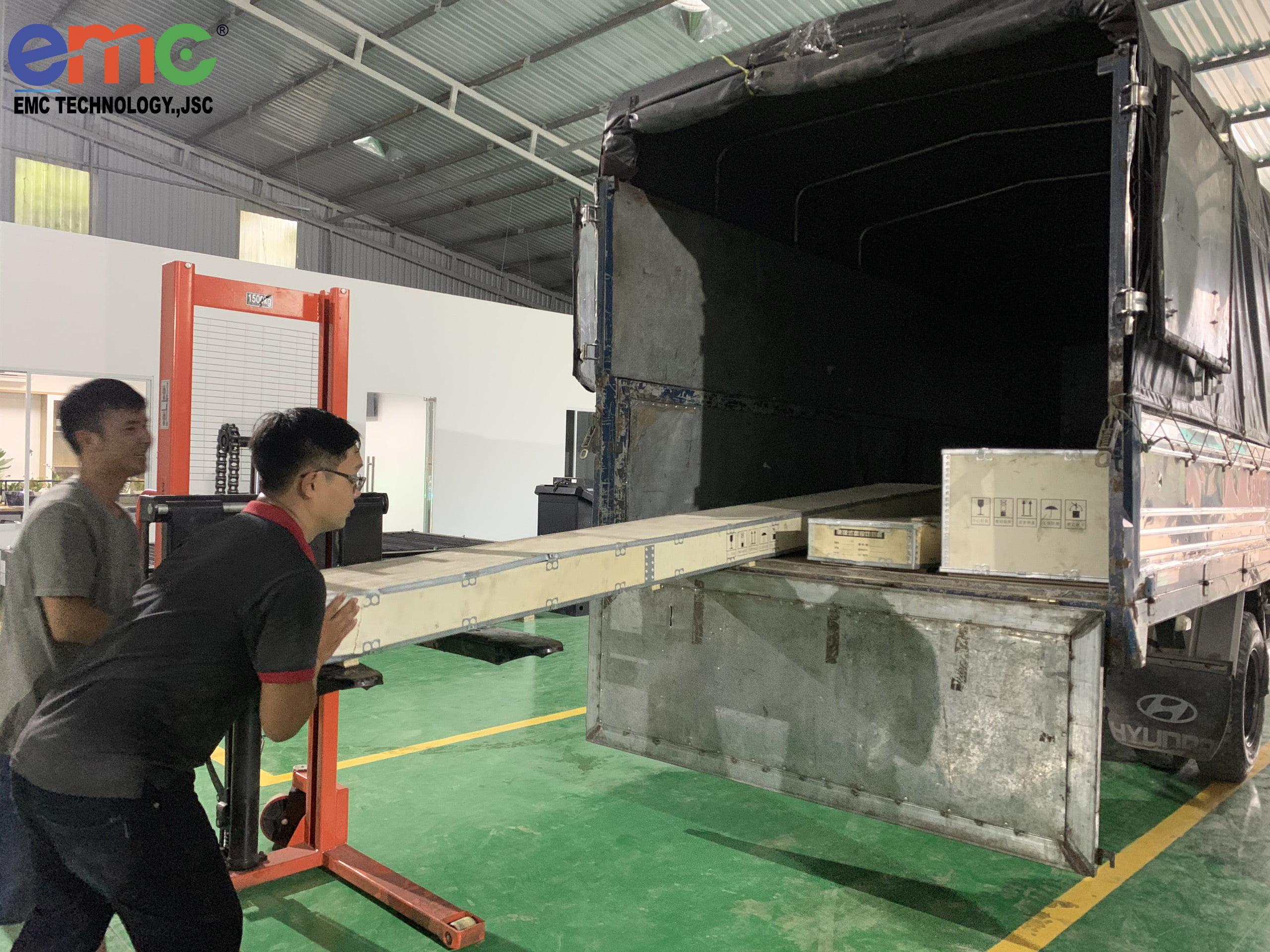 Máy cắt mini cnc bàn giao cho khách tại Quảng Nam