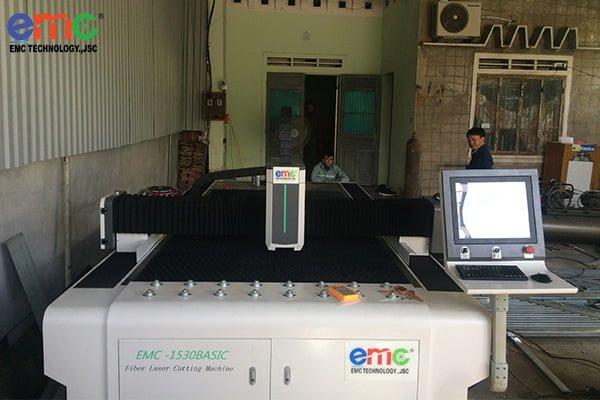 máy cắt laser cnc emc 1530 basic