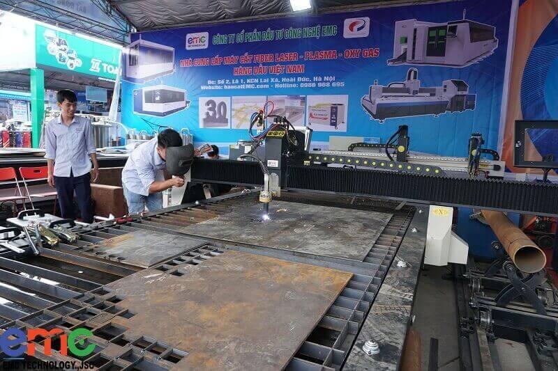 Máy cắt sắt cnc plasma cắt ống gió