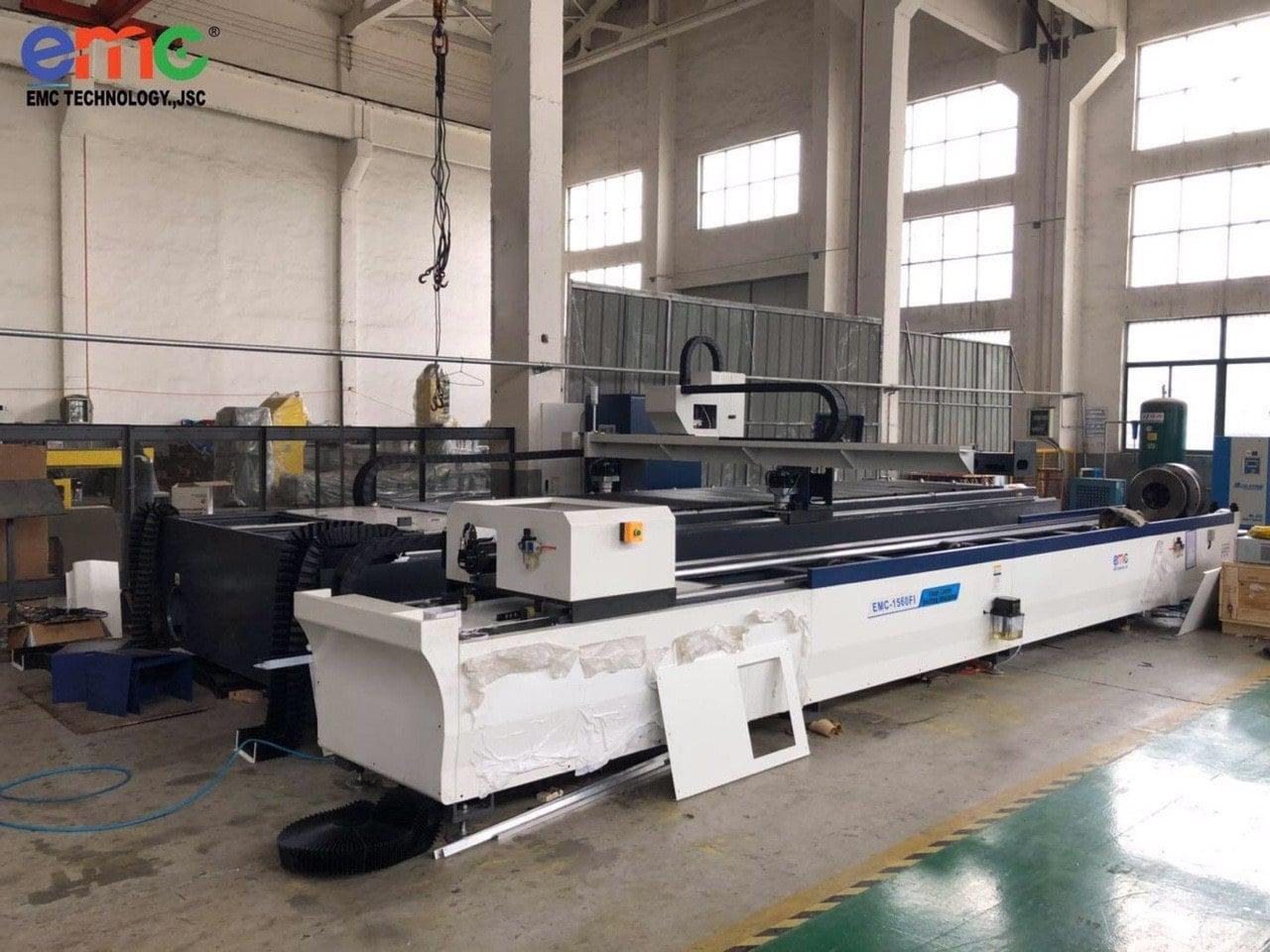 máy cắt laser tại Bình dương 3