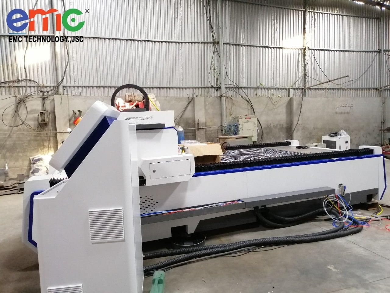 Máy cắt laser tại xưởng cơ khí bắc giang(2)