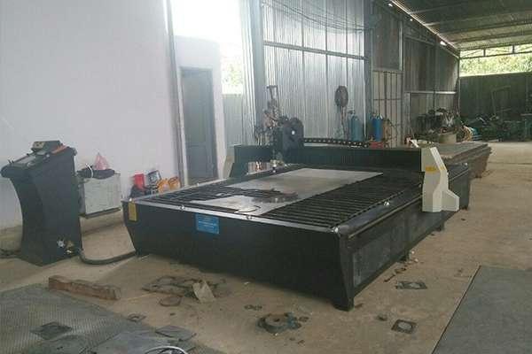 Máy cắt hoa văn bàn liền EMC-2000 tại Hà Nội