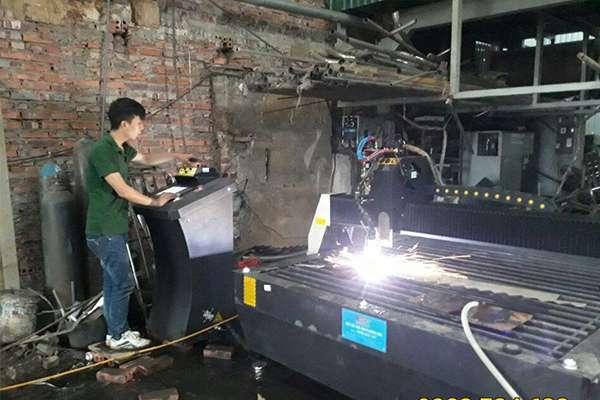 Máy cắt cnc hoa văn EMC-2000 tại Thái Bình