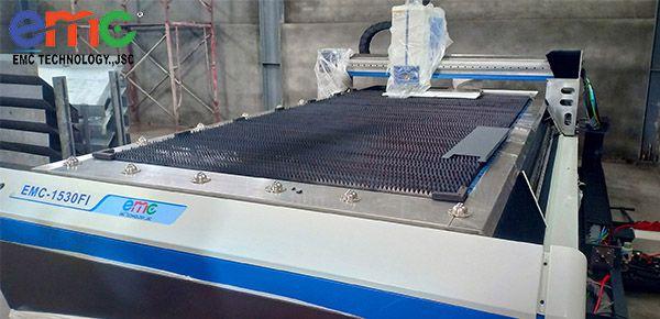máy cắt laser 1530fi tại hải phòng