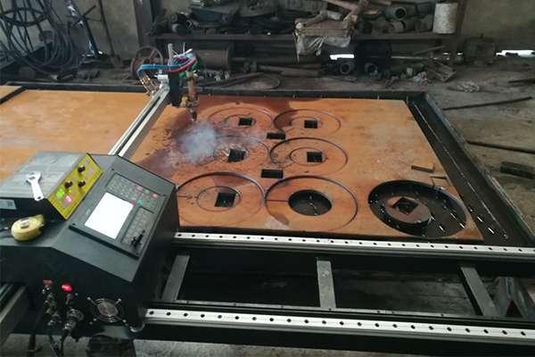 Máy cắt Plasma CNC EMC-1500pro tại Long An