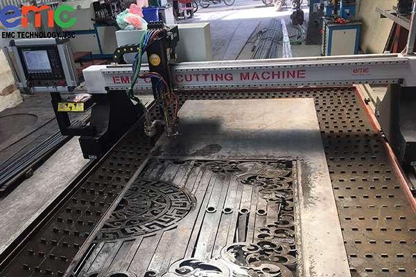 Máy cắt Plasma CNC EMC-3000 tại Phú Diễn - Hà Nội.