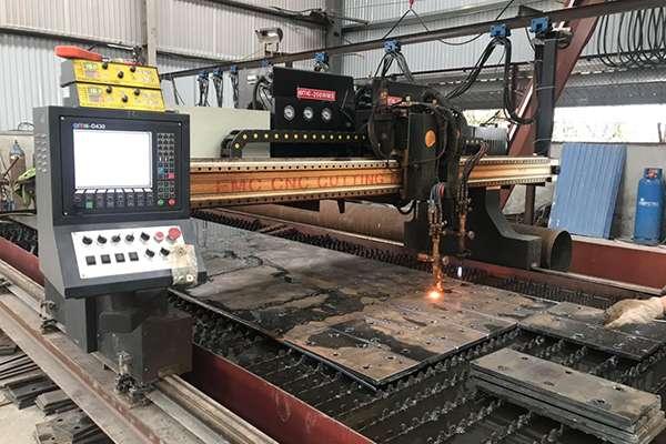Máy cắt Plasma CNC EMC-3000 2 Tool tại Hải Phòng