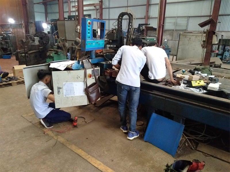 kỹ thuật EMC sửa máy cnc plasma cũ tại Hưng Yên
