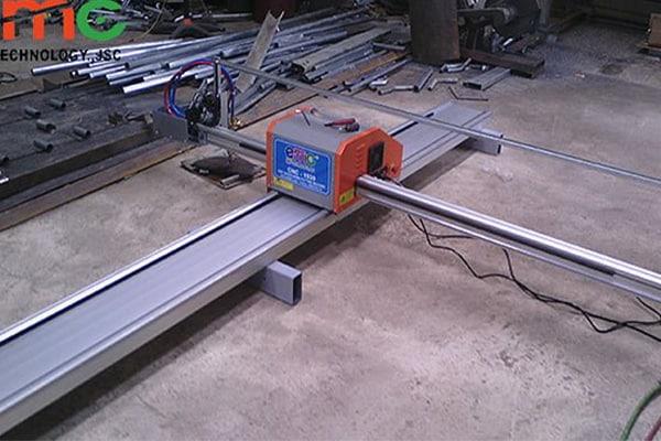Máy cắt plasma cnc mini EMC-1530