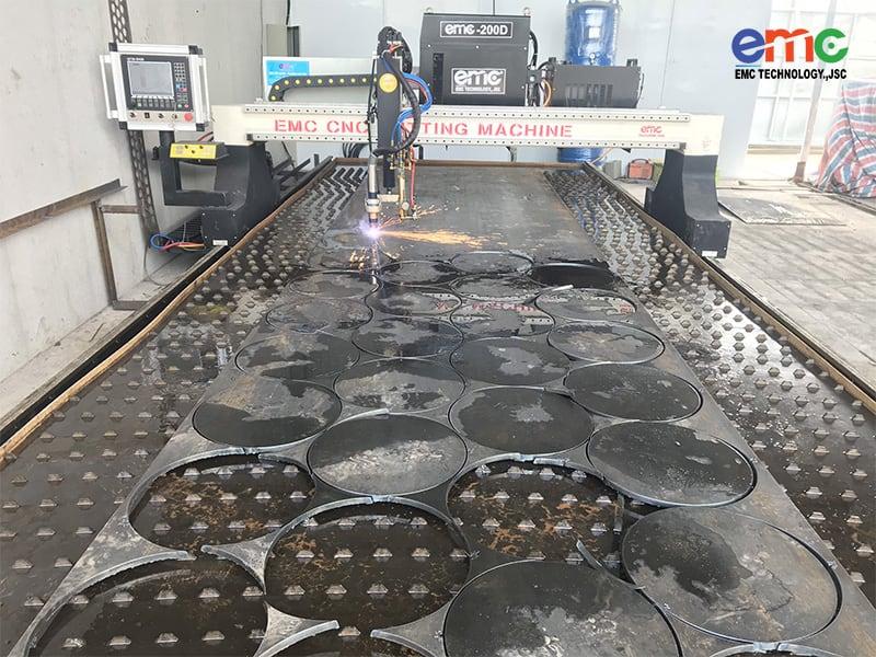máy cắt plasma EMC 3000
