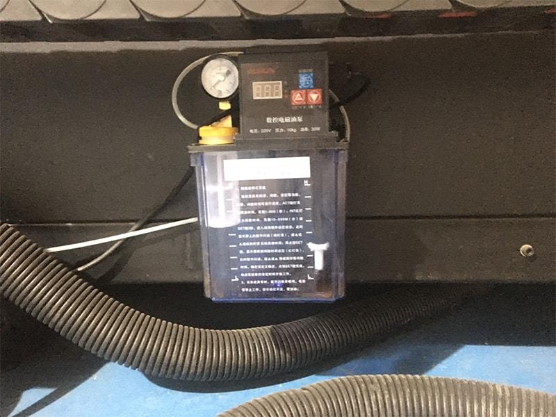hệ thống bơm dầu máy cắt cnc plasma EMC-2000