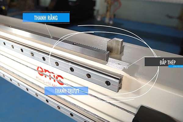 hệ thống thanh răng thanh trượt trên máy cắt plasma cnc EMC-3000