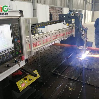 máy cắt Plasma CNC hạng năm EMC-3000
