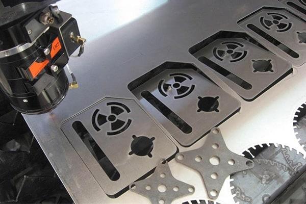 Cắt Laser kim loại bằng công nghệ Fiber Laser hiện đại