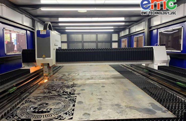 Vũng Tàu – Lắp đặt máy cắt laser bàn chuyển đổi EMC-2060DF