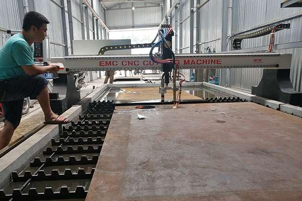 máy cắt Plasma CNC EMC-3000 tại Hưng Yên