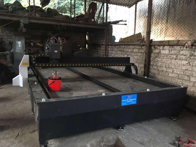 Máy cắt plasma cnc EMC-2000 tại Bắc Giang