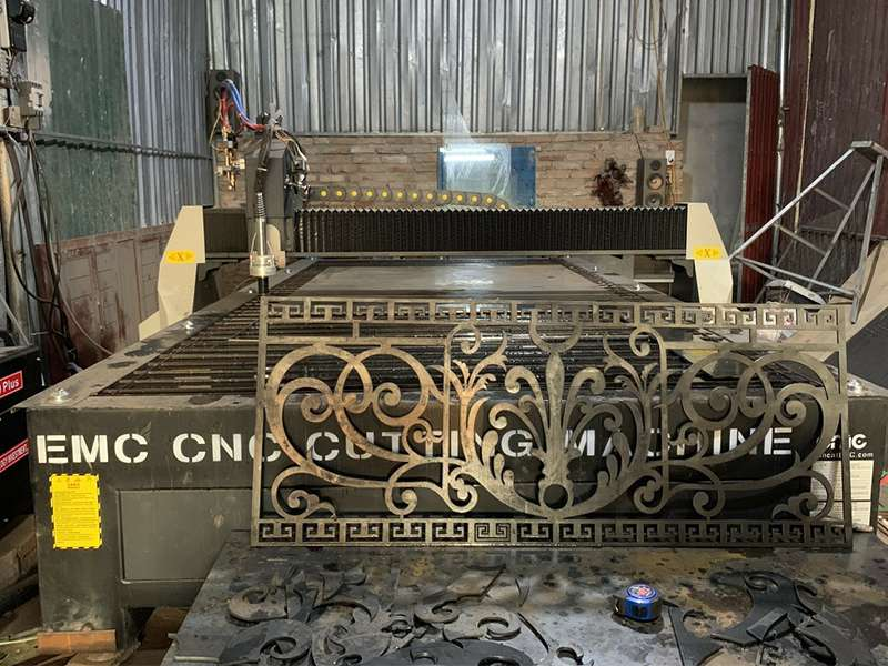 Máy cắt plasma cnc EMC-2000 tại Hưng Yên
