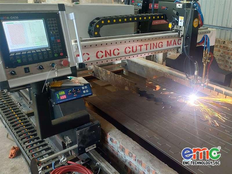 Máy cắt cnc Plasma EMC-3000 Bắc Ninh
