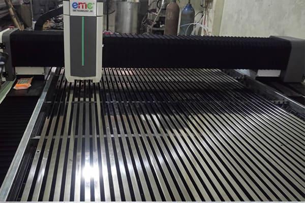 Máy cắt Inox Laser Basic