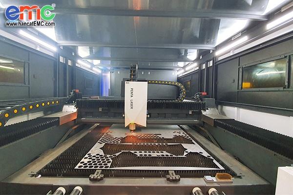 Máy cắt Laser Penta Bolt nguồn 6kw tại Bình Dương