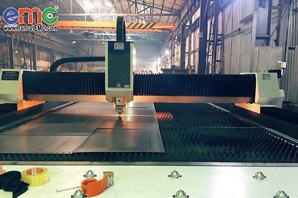 Máy cắt laser EMC-2260G tại Hà Đông