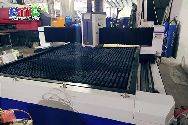 Máy cắt laser basic tại đà nẵng