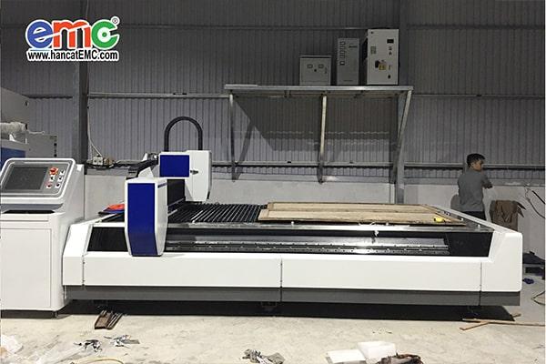 máy cắt laser fiber tại Hà Đông