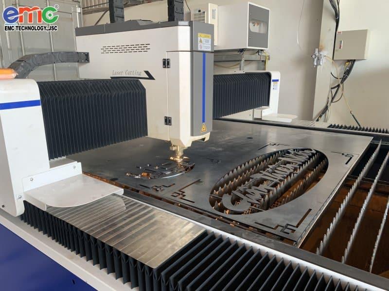 máy cắt laser basic tại Bình Dương