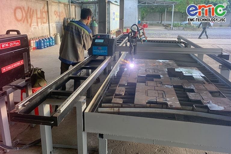 Máy cắt cnc mini EMC-1600pro tại Bảo Lộc