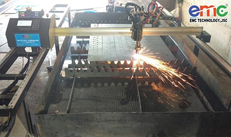 máy cắt cnc mini tại Lâm Đồng
