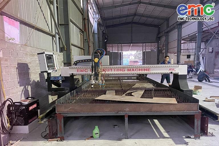 Máy cắt plasma cnc EMC-3000 tại Bắc Giang