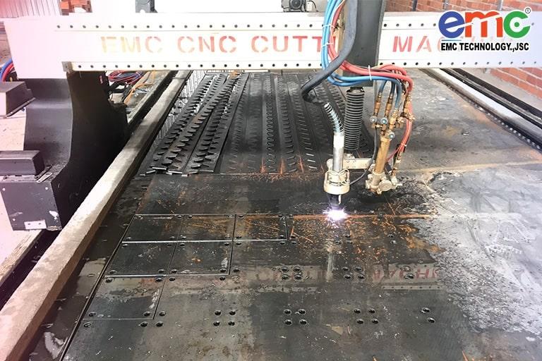 Máy cắt plasma cnc EMC-3000 tại Đồng Nai