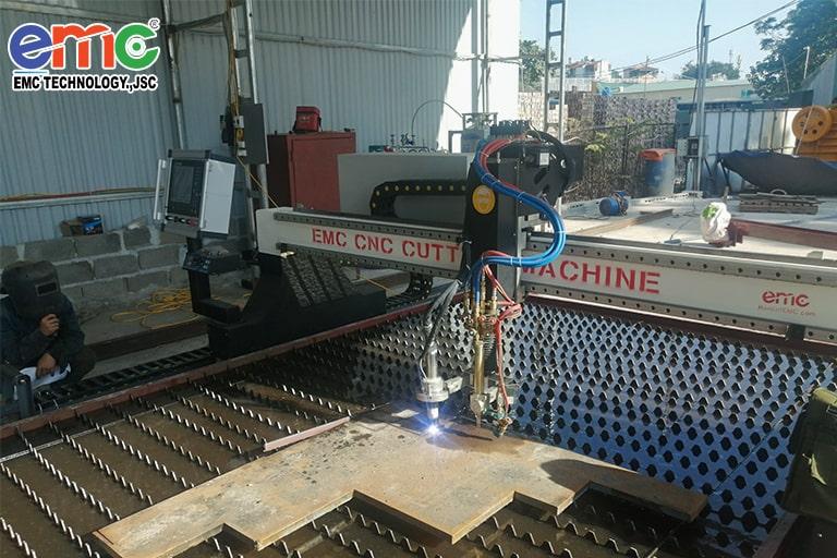 Máy cắt Plasma CNC EMC-3000 tại Hà Đông