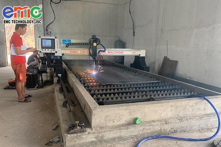 Máy cắt Plasma CNC EMC-3000 tại Vĩnh Long