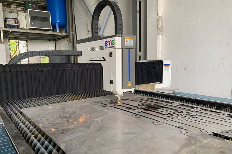 Máy cắt laser Basic tại Công Ty Hà Anh