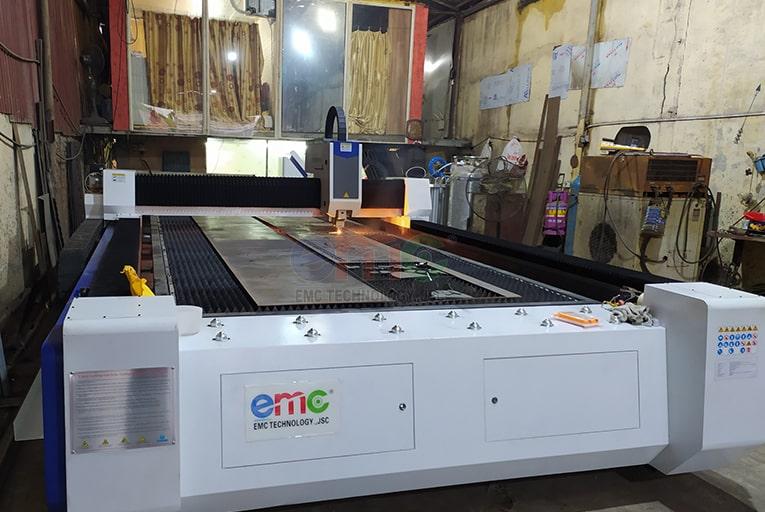 Cắt laser kim loại tấm tại Tùng CNC - Hà Nội