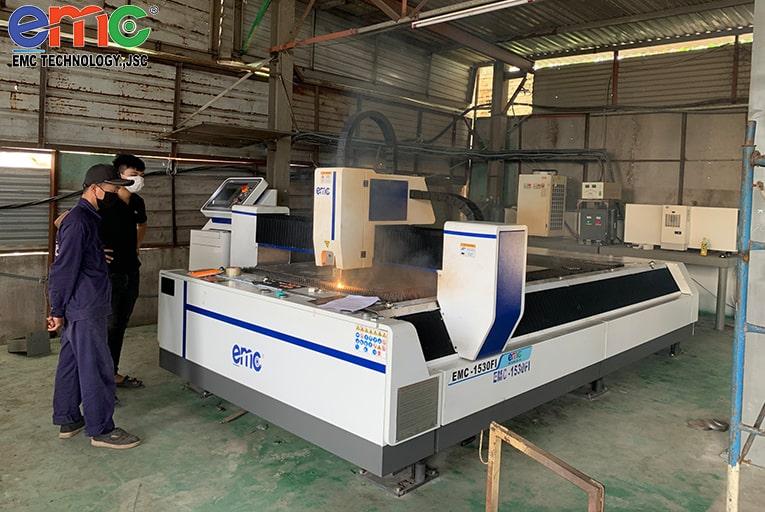 máy cắt laser tại TPHCM